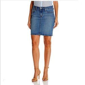 Levi's Perfectly Slimming denim jean skirt